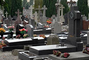 Pastorale des funérailles : retour sur le temps de prière au cimetière du 1er novembre