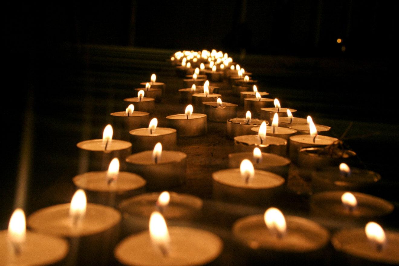 Invitation à une messe pour les prêtres et diacres décédés et laïcs en responsabilité dans le diocèse. Cathédrale Notre-Dame de Créteil, vendredi 25 septembre à 19 h