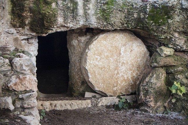 empty-tomb-3326100_640